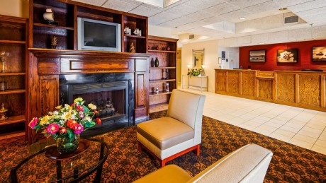 Welcome To Best Western Plus Silver Creek Inn - Lobby and Reception Desk